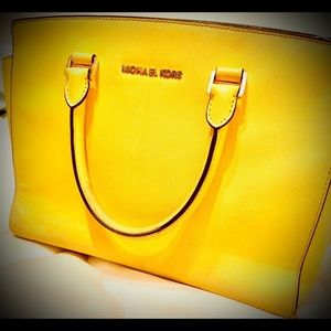Michael Kors Selma tote bag yellow